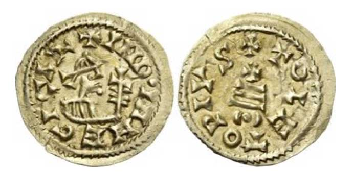 Egica, 687 – 702. Tremissis, Toledo 687-702, AV 1.54 g. + IND•INM EGICΛR Bust right, holding cruciform sceptre with leaves on staff. Rev. + TOLETOPIVS Cross on three steps; below, (•). Miles 436f. CNV 527. 6. Very Rare. Extremely fine.